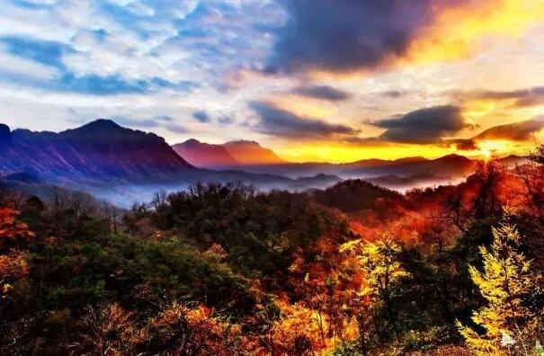 家乡的光雾山-六年级写景作文.jpg