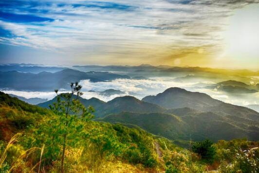 美丽的白云山-七年级写景作文400字.jpg