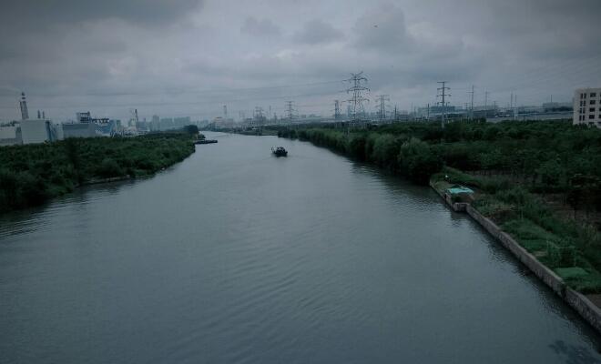 工厂污染小河看图写话500字